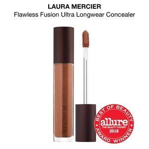 NEW! {Laura Mercier} 5N Flawless Fusion Concealer